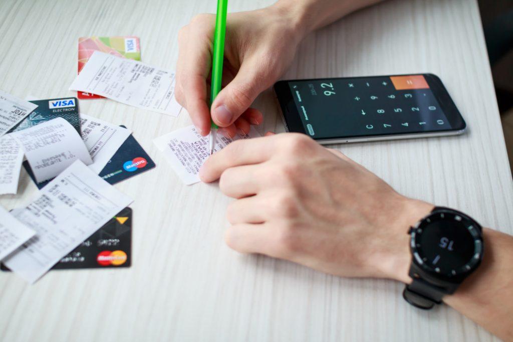 Comment obtenir une carte Visa Premier ou MasterCard Gold gratuite ?